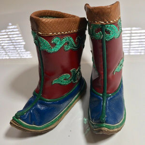Other - Set of 2 Mini Decorator Pairs of Asian Style Boots